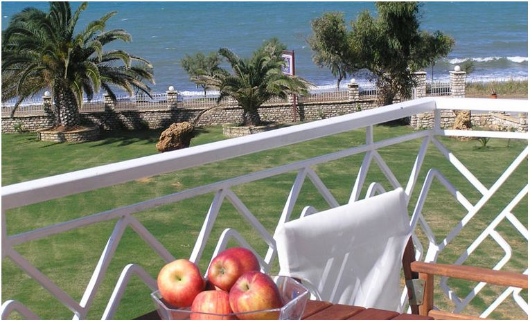 Irida Beach Resort & Suites 3